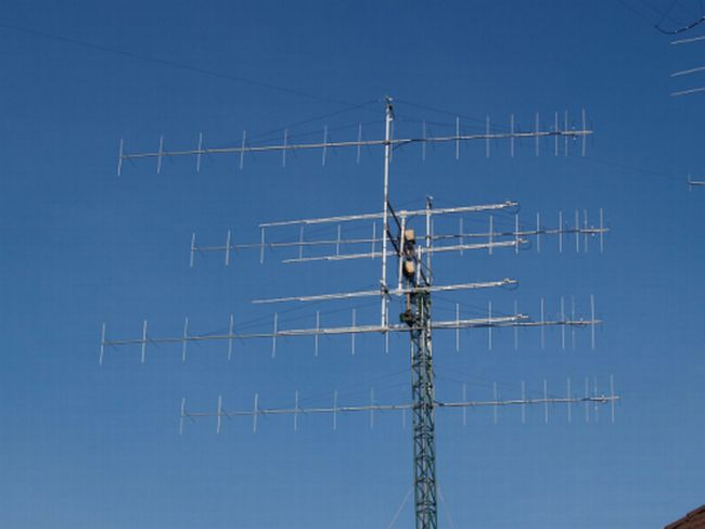 OM3BC's 4x32 element I0JXX cross-yagi