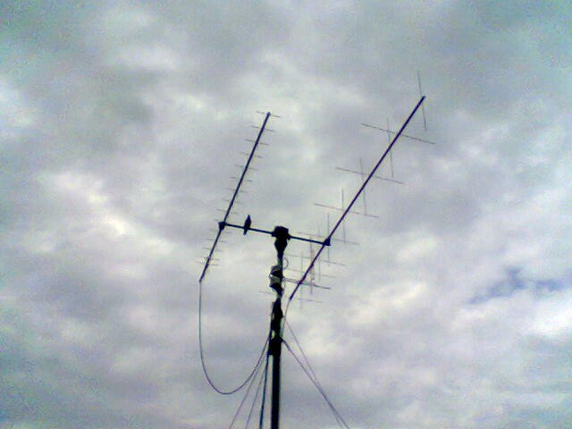 HA2RD's satellite tracking V/UHF antenna system which was used to catch Delfi C3  the very first day
